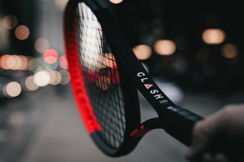 Wilson Clash 100 tennisracket - Racketshop de Bataaf